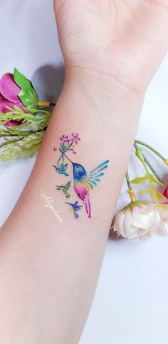 Cute Tattoos For Women, Wrist Tattoos For Women, Tattoos For Kids, Mom Tattoos, Body Art Tattoos, Small Tattoos, Tatoos, Cool Wrist Tattoos, Feather Tattoos