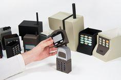 歴代の携帯電話マトリョーシカ:ペーパークラフトで再現 « WIRED.jp 世界最強の「テクノ」ジャーナリズム