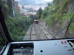 #Bilbao, #Funicular_de_Artxanda para subir al monte Artxanda y admirar las espectaculares #vistas_de_Bilbao, pasear, hacer deporte y disfrutas de las deliciosa #gastronomía_vasca.