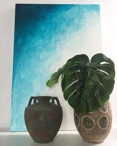 O segredo de uma decoração bem sucedida é unir objetos da família com novos que auxiliem na harmonização, como foi o caso desses vasos…