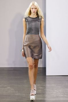 See the complete Victoria, Victoria Beckham Spring 2013 Ready-to-Wear collection.
