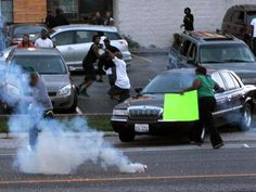 Unintentional greenscreen during the riots in Missouri, august 2014