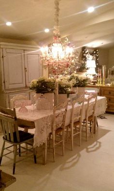 Pamela Andersons table for Christmas Styled by Sue Balmforth of Bountiful VB
