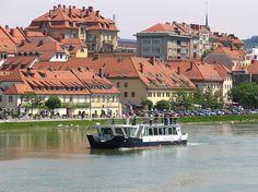 Turist boat Dravska Vila on river Drava - Maribor - SI A Funny, Boat, River, Mansions, Country, House Styles, Diversity, Slovenia, Tourism