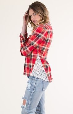 Cant Stop Flannel Shirt is creative inspiration for us. Get more photo about diy home decor related with by looking at photos gallery at the bottom of this page. Shirt Refashion, Diy Shirt, Diy Kleidung, Diy Vetement, Altered Couture, Altering Clothes, Clothing Hacks, Upcycled Clothing, Sewing Clothes