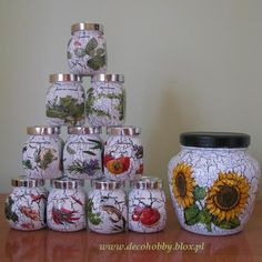 Decoupage, czyli o mojej nowej pasji. Glass Bottle Crafts, Bottle Art, Mason Jar Crafts, Mason Jars, Coffee Jar Crafts, Decoupage Jars, Tin Can Art, Gift Wraping, Diy And Crafts
