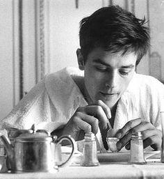 Alain Delon eating eggs for breakfast