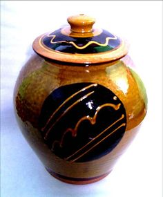 Slipware jar by Clive Bowen (collection Jim Behan)