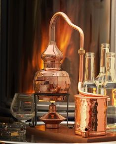 Miniature still, fully functional, for distilling brandy, whisky or fruit schnapps. Legal Moonshine, Moonshine Still, Essential Oil Distiller, Essential Oils, Homemade Wine, Homemade Moonshine, Moonshine Recipe, Distilling Alcohol, Wine Pairings