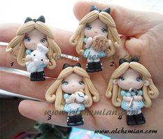 1 Alice au pays des merveilles d'inspiration ooak collier fabriqué en Italie