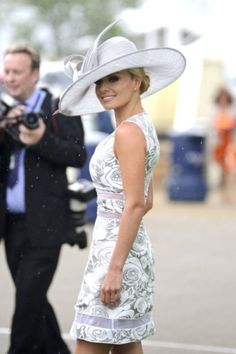 Kentucky derby women's hats and fashion outfit ideas 26