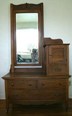 Shabby Chic Homes Empire Furniture, Victorian Furniture, Victorian Decor, Victorian Homes, Antique Furniture, Wood Furniture, Antique Dressers, Oak Dresser, Dresser With Mirror