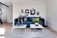 02-sala-decorada-sofa-azul