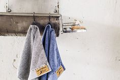 Finlayson Reno Carbon Grey Hand Towel With sewn logo tags, contrast stitching, and stone-washed cotton, the Finlayson Reno Carbon Grey Hand Towel is reminiscent of your favorite pair of worn denim. Grey Hand Towels, Scandinavian Home, Spring Home, Home Textile, Wardrobe Rack, Duvet Covers, Textiles, Shopping, Collection
