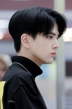 Korean Boy Hairstyle, Bts Hairstyle, Korean Haircut, Undercut Hairstyles, Eboy Hair, Short Hair For Boys, Cute Actors, Haircuts For Men, Hair Inspo