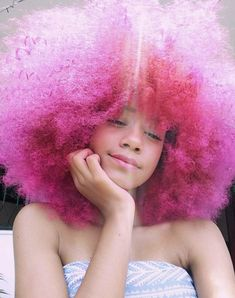 Big Afro hairstyles are basically the bigger and greater version of the Afro hairstyles. Afro which is sometimes shortened as 'FRO, is a hairstyle worn naturally outward by The African American black people. Curly Hair Styles, Natural Hair Styles, Natural Beauty, Dyed Natural Hair, Dyed Hair, Afro Hairstyles, Pretty Hairstyles, Hair Inspo, Hair Inspiration