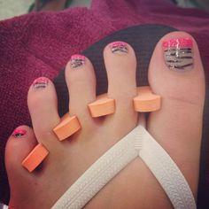 My Zebra toe nails!
