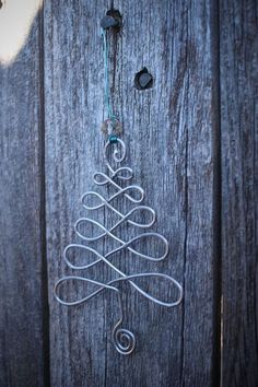 Original DIY Christmas decorations and decoration made of thin .- Original DIY Weihnachtsschmuck und Dekoration aus dünnem Draht – Beste Dekoideen Original DIY Christmas decorations and decoration made of thin wire – best decoration ideas - Diy Christmas Decorations, Handmade Christmas Tree, Diy Christmas Ornaments, How To Make Ornaments, Homemade Christmas, Christmas Fun, Christmas Crafts, Christmas Garden, Decoration Crafts