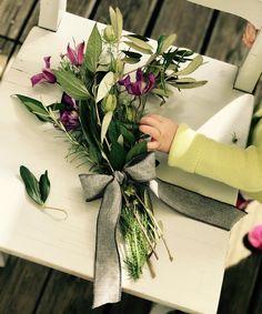 """Gefällt 107 Mal, 2 Kommentare - Tiny Table by LauriLisa (@tiny_table) auf Instagram: """"Happy Flower Friday🌸 und so sah die #spielzeit von Junie und mir aus😂 ich gebe zu, eher von mir und…"""""""
