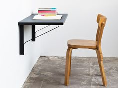 The Artek REB 006 Kaari Console Table | Shop at Domésticoshop.com