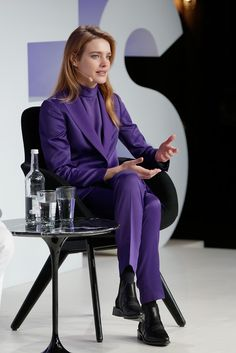 Natalia Vodianova Photos - Natalia Vodianova speaks on stage during on December 2017 in Oxford, England. - The Business of Fashion Presents VOICES 2017 - Day 2 Business Outfits, Business Fashion, Business Women, Business Attire, Natalia Vodianova, Look Fashion, Fashion Outfits, Womens Fashion, Petite Fashion