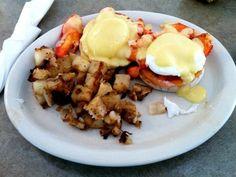 Lobster Benedict at Bessie's Restaurant in Ogunquit Maine #LobsterBenedict