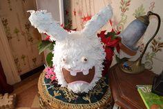 et une pinata 'lapin crétins' pour l'anniversaire du dernier.