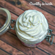 DIY: chantilly de karité | BiotyTips Body Butter, Body Lotion, Peanut Butter, Diy, Food, Applique, Glamour, Cosmetics, Beauty