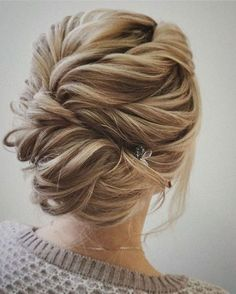 Gorgeous 96 Bridal Wedding Hairstyles For Long Hair that will Inspire bitecloth.com/... #weddinghairstyles
