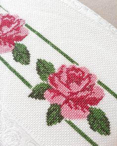 Gul kokulu cumalar diliyorum #crochet#crocheting#photo#yarnlove#kanavice#hobby#hobinisat#havlu#elemegi#siparişalınır Tiny Cross Stitch, Cross Stitch Heart, Cross Stitch Borders, Cross Stitch Flowers, Cross Stitch Designs, Cross Stitch Patterns, Embroidery Sampler, Ribbon Embroidery, Cross Stitch Embroidery