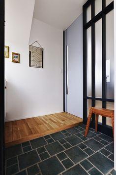 玄関(遊び心とこだわりでワクワクがいっぱいの家) - 玄関事例 SUVACO(スバコ)