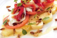 Ensalada de patatas con bacalao confitado y pimientos asados