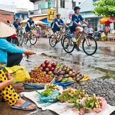 Vietnam photos, Vietnam beauty Vietnamese Food, Vietnamese Recipes, Vietnam Country, Holiday Break, Travel Activities, Vietnam Travel, Bellisima, Paradise, Sidewalk