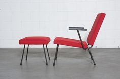 Wim Rietveld No. 9 Lounge Chair and Matching Ottoman for Gispen