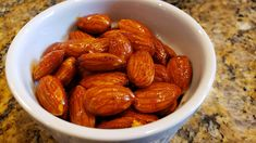 A Li'l Bit of Spice – Roasted Chili Almonds Raw Almonds, Vegan Appetizers, Cayenne Peppers, Charcuterie Board, Afternoon Snacks, Chili, Spicy, Roast, Vegetarian