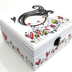 Caja niña en el Jardín Painted Trunk, Painted Wooden Boxes, Wood Boxes, Wooden Box Crafts, Wood Crafts, Diy And Crafts, Diy Gift Box, Party In A Box, Craft Box