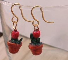 Tulip pot earrings by SunsetCrafts on Etsy
