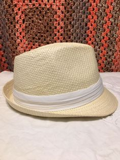 fda714fda6fbb8 *New* Magid Hats Cream Straw Fedora / Trilby Hat with a White Triple Fold