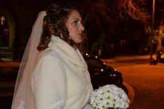 Laura preparada para celebrar su ceremonia en el Palacio de la Misión Wedding Dresses, Fashion, Palaces, Dancing, Elegant, Girls, Pictures, Bride Dresses, Moda