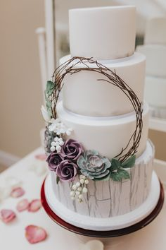Rustic Floral Hoop Wedding Cake photo by Emily Crutcher Photography. Shared by Career Path DesignBluebirds Bakehouse - Kent Wedding Cakes and Celebration Cakes Wedding Cake Fresh Flowers, Floral Wedding Cakes, Wedding Cake Rustic, Elegant Wedding Cakes, Rustic Cake, Elegant Cakes, Cake Wedding, Wedding Cake Photos, Amazing Wedding Cakes