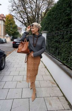 fashion trends for women over for women over 50 style, Mature Fashion, 60 Fashion, Fashion For Women Over 40, Plus Size Fashion, Winter Fashion, Fashion Outfits, Fashion Tips, Fashion Trends, Fashion Websites