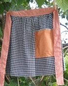 free apron pattern - waist apron(definitely needs diff fabric, tho, lol!)