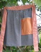 free apron pattern - waist apron(definitely needs diff fabric, tho, lol!)