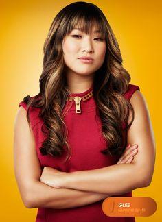 """Jenna Ushkowitz é """"Tina Cohen-Chang"""". Glee - Quartas 22H15    #GleeBR #SouGleek Confira conteúdo exclusivo no www.foxplay.com"""