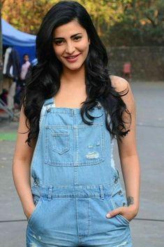 Shruti Hassan Actress Photos Stills Gallery Cute Celebrities, Indian Celebrities, Bollywood Celebrities, Bollywood Fashion, Celebs, Indian Bollywood, Beautiful Bollywood Actress, Beautiful Indian Actress, Beautiful Actresses