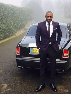 Bond, James Bond... Idris Elba heading to be honored by the queen