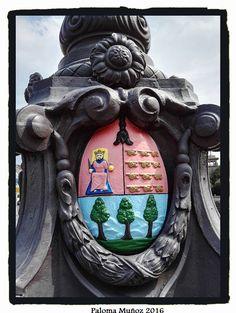 Escudo de la ciudad de San Sebastián. Shield of the city of San Sebastian