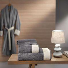 Χαρίστε στο μπάνιο σας άποψη και στυλ, με τo Σετ Πετσέτες Molly. Πρόκειται για πανέμορφες πετσέτες, με φινετσάτο χρώμα και φάσα. Είναι κατασκευασμένες από βαμβακερά νήματα, που τις καθιστούν εξαιρετικά απαλές, απορροφητικές και ανθεκτικές στην παρατεταμένη χρήση.Το σετ περιλαμβάνει μία πετσέτα σώματος, μία προσώπου και μία χεριών, για να καλύψει κάθε σας ανάγκη. Guy Laroche, Towel, Home Decor, Decoration Home, Room Decor, Home Interior Design, Home Decoration, Interior Design