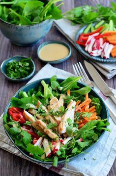 Saláta mogyorós öntettel recept