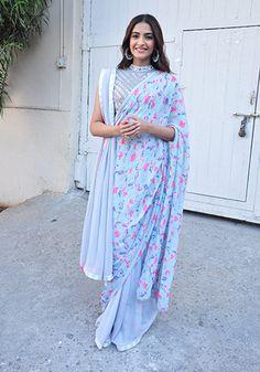 Sonam Kapoor 2_Celebrity Style Feb 27_Hauterfly